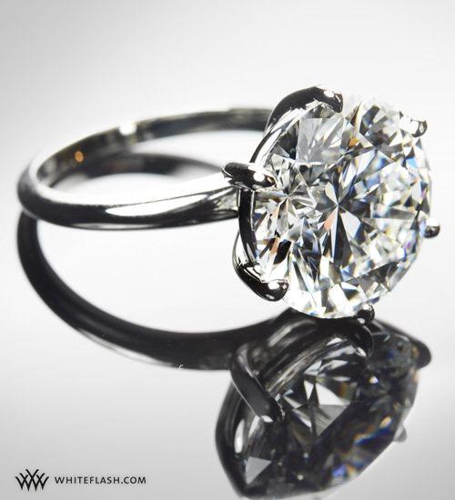 Bling bling! Stunning diamond engagement ring from Whiteflash.com