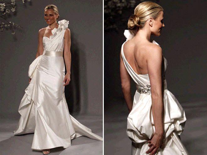 One-shoulder ivory mermaid wedding dress from Romona Keveza