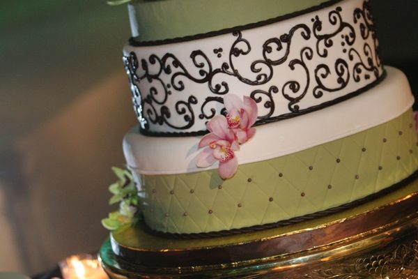 Chic modern wedding cake with chocolate brown scroll pattern