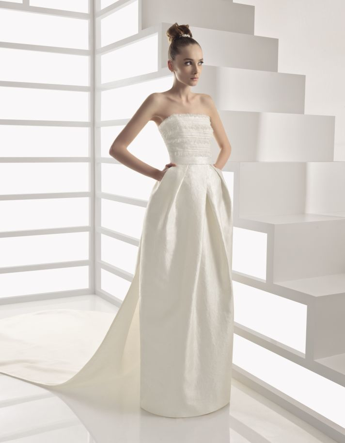 Ivory strapless Rosa Clara wedding dress with pockets and ruched bodice