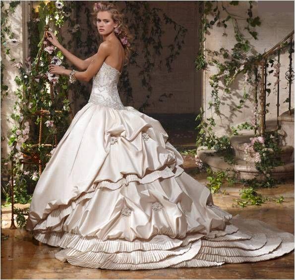 Big Wedding Ball Gowns: 2011 Wedding Dress Trend: Big Ball Gowns, Endless Volume