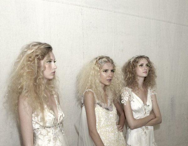 fairy-bridal-look-claire-pettibone-spring-2011-bridal-runway-show-romantic-wedding-dresses-2