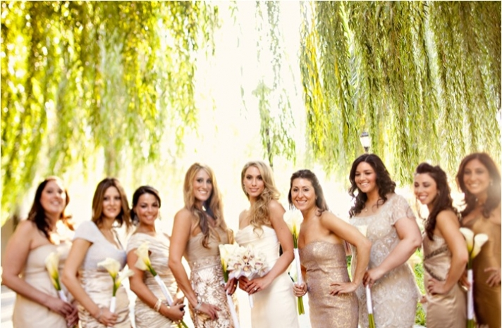 bridesmaids-dresses-mix-and-match-gold-champagne