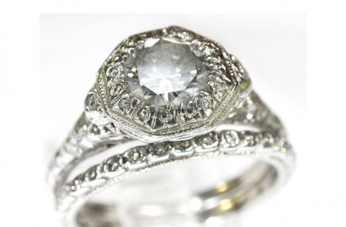 vintage-engagement-ring-classic-diamond-pave-platinum-setting