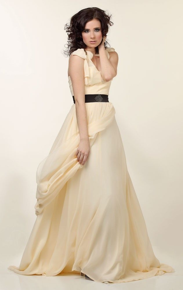 Romantic creamy yellow chiffon a-line wedding dress with black sash