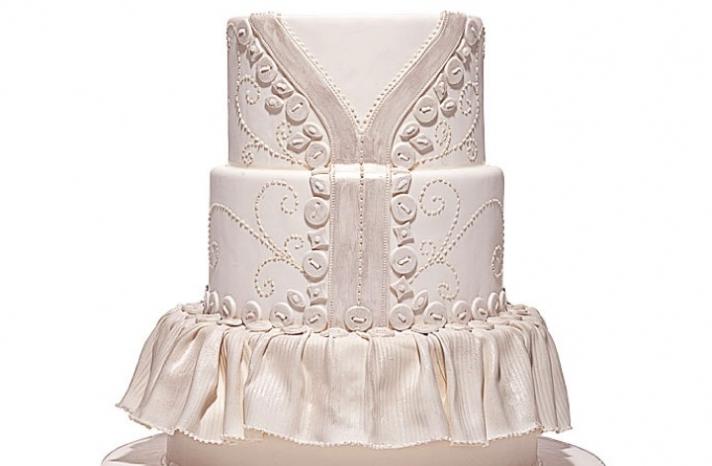 Shimmery pearl wedding cake