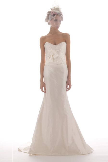 Classic wedding dress with trumpet silhouette and scoop sweetheart neckline by Elizabeth Fillmore