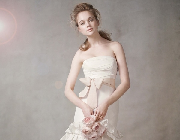 white-by-vera-wang-wedding-dress-2011-sash-351043