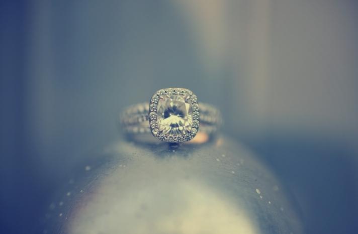 Cushion-cut-engagement-ring