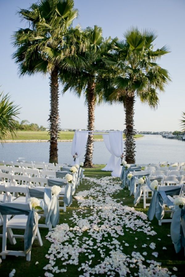 Outdoor beach wedding ceremony in Florida