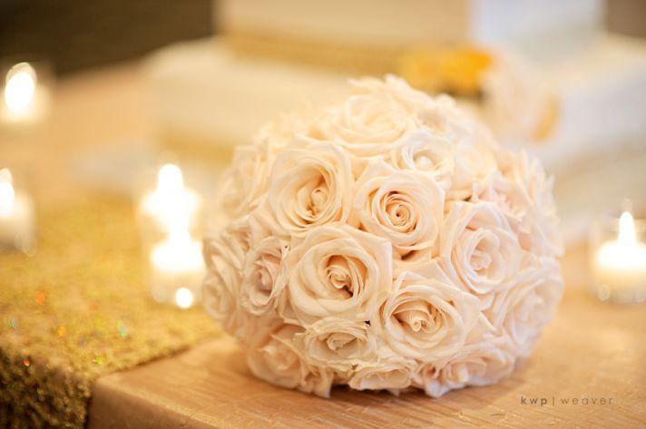 Simple ivory rose bridal bouquet
