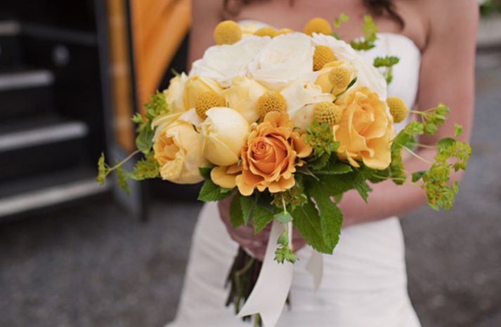 Whitre-yellow-bridal-bouquet-7