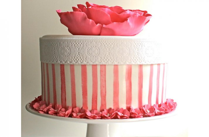 Pretty-pink-wedding-cakes-8
