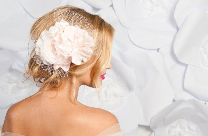Tessa-kim-bridal-hair-flower-veil