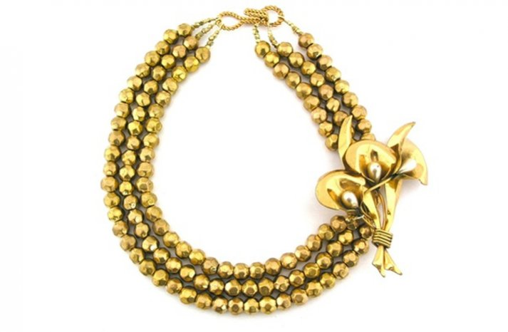 Statement-wedding-necklaces-gold