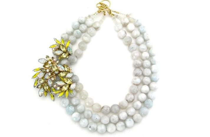 Statement-wedding-necklace-vintage-brooch