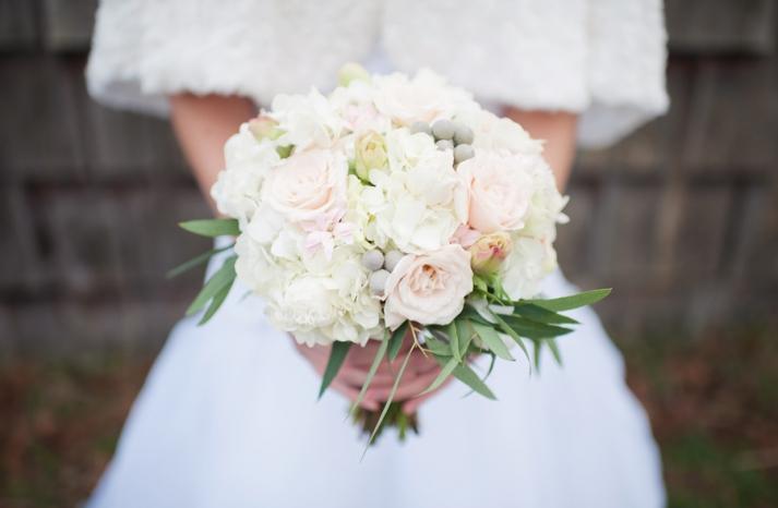 winter white wedding flowers bridal bouquet