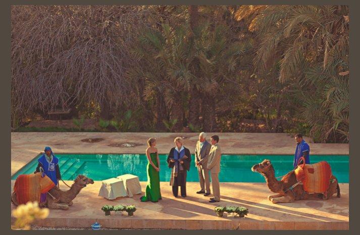 desert wedding offbeat wedding style casual outdoor wedding poolside