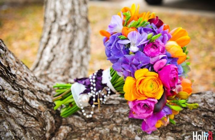 bright-wedding-flowers-bridal-bouquet-fr