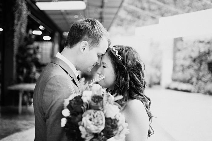 bride groom embrace romantic wedding photos