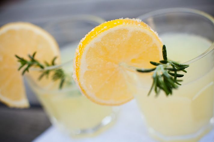 signature drinks spiked lemonade