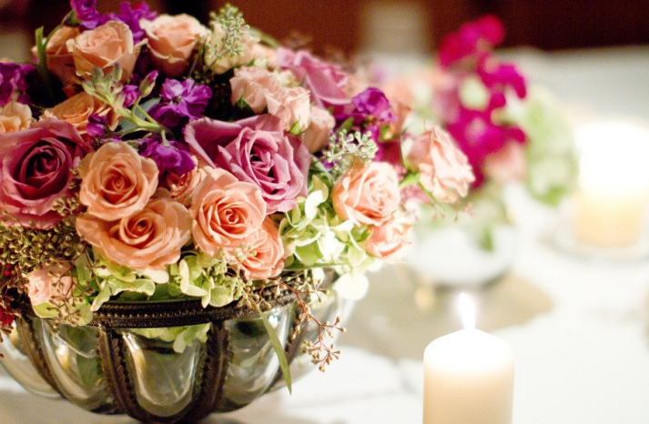 romantic winery wedding outdoor wedding venues colorful flower centerpiece
