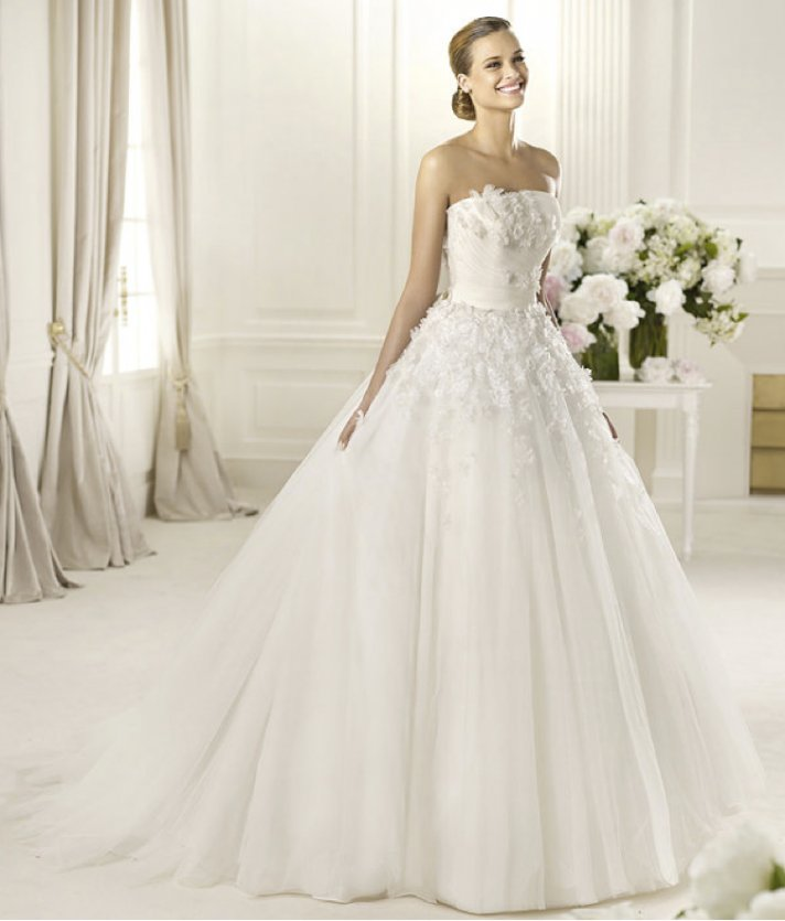 Wedding Gown 2013: Romantic 2013 Wedding Dresses From The Pronovias Glamour