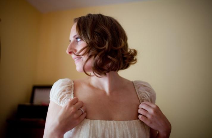 short wedding hairstyles wavy bob 1