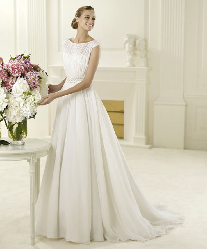 Last call for pronovias brides onewed for Wedding dress pictures 2013