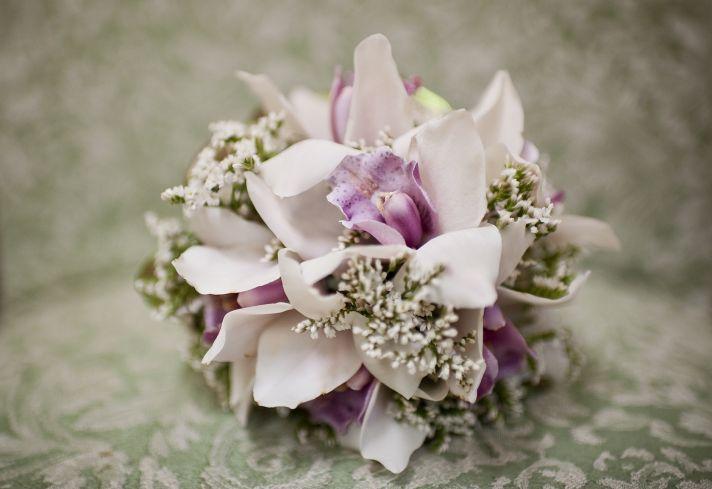 light pink bridal bouquet romantic