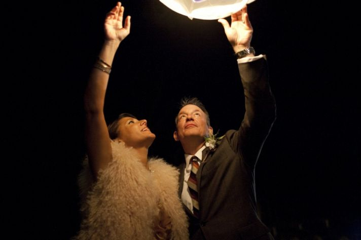 wish lanterns for outdoor weddings bride and groom