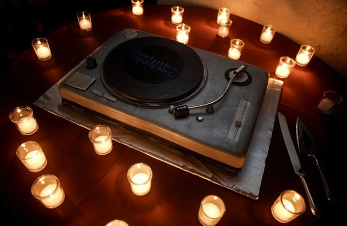 fun grooms cakes for DJs music lovers
