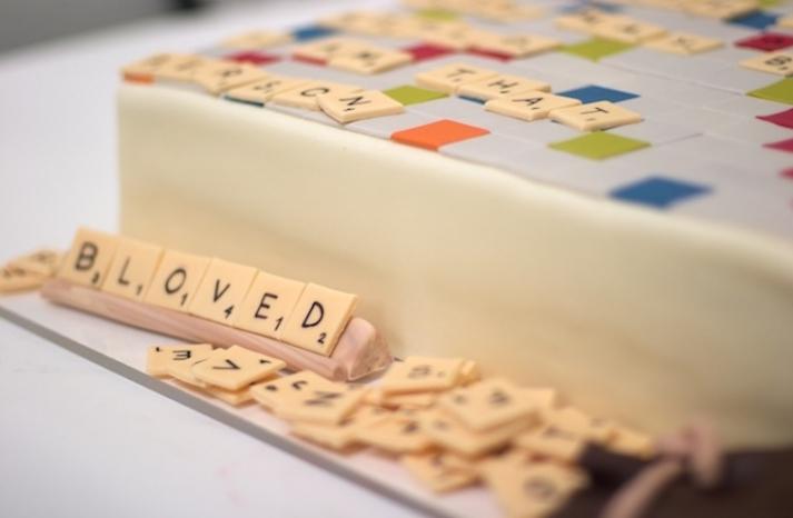fun grooms cake wedding cakes scrabble