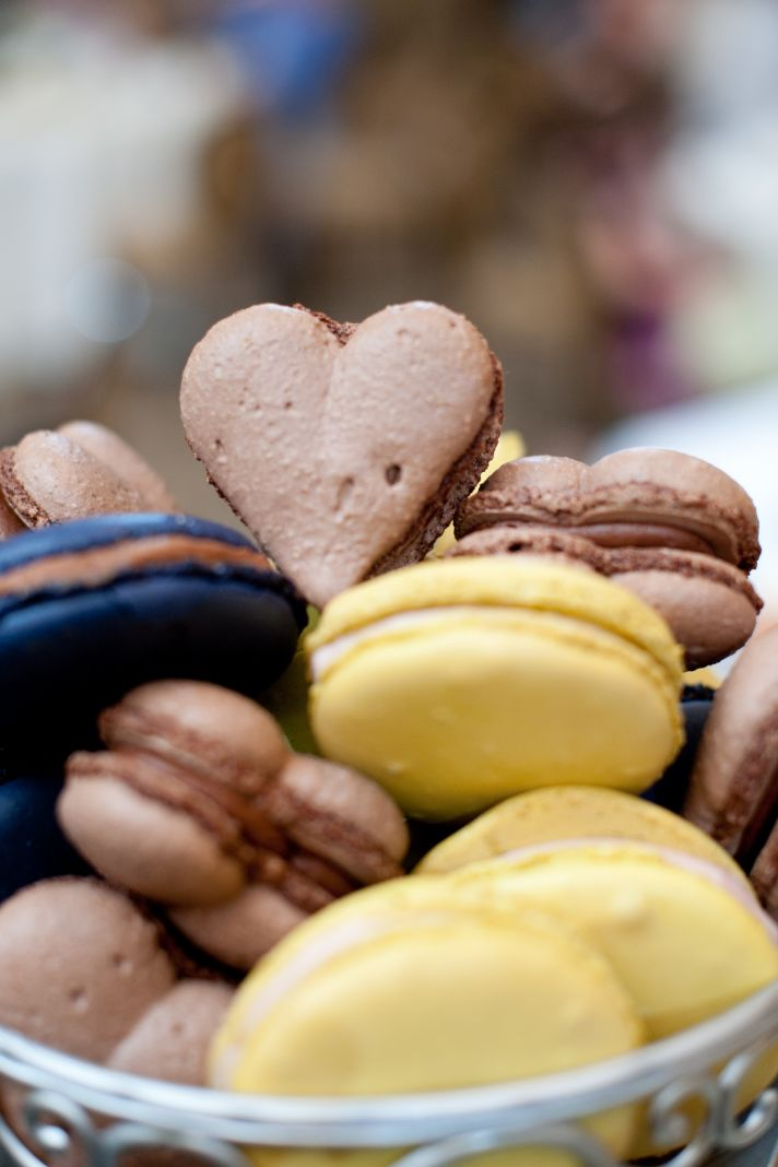 real wedding reception sweets heart shaped macarons