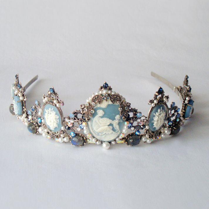 something blue wedding inspiration bridal style spotting tiara
