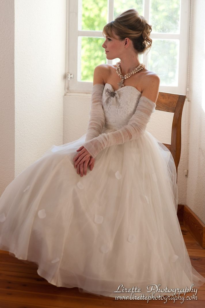 2013 wedding dress shirred detailing with lace bodice gloves