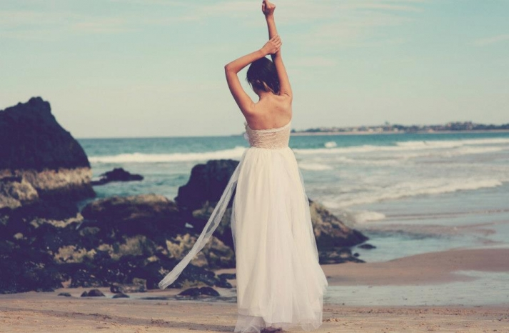 bohemian bride at a beach wedding bridal gown beauty inspiration 10