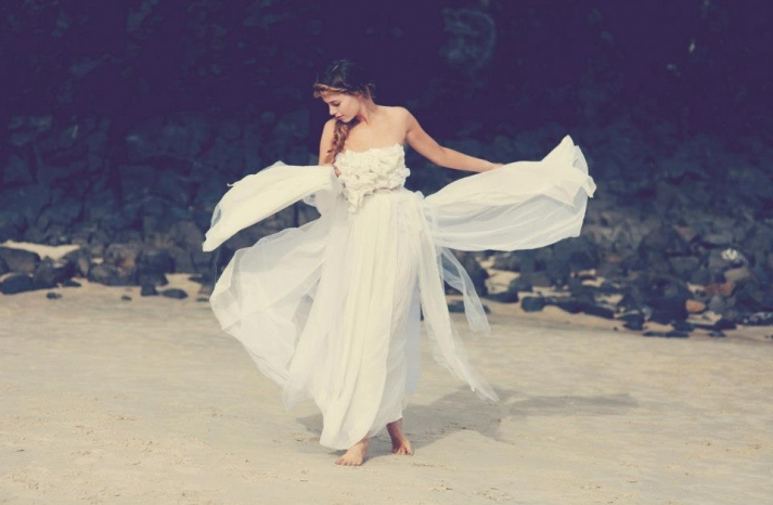 bohemian bride at a beach wedding bridal gown beauty inspiration 16