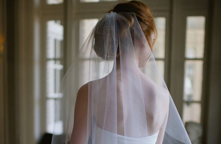 tulle wedding accessories for romantic brides from Etsy waltz veil