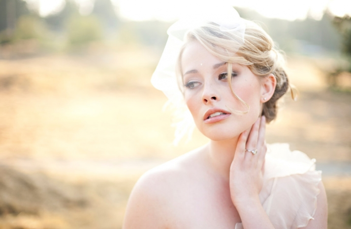 tulle wedding accessories for romantic brides from Etsy the Nicole