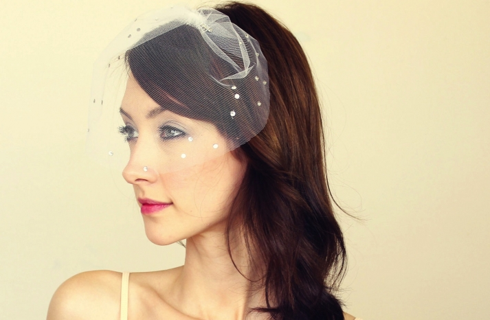 tulle wedding accessories for romantic brides from Etsy mini veil