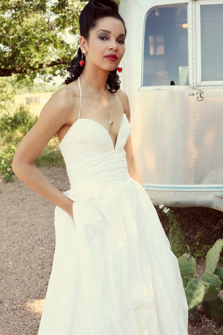 The stash 10 wedding dresses with pockets under 1000 chic wedding dress for under 1000 with pockets from etsy 1 junglespirit Image collections