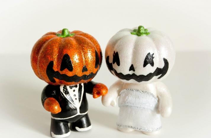 handmade wedding finds for Halloween themed I Dos jack o lantern cake topper