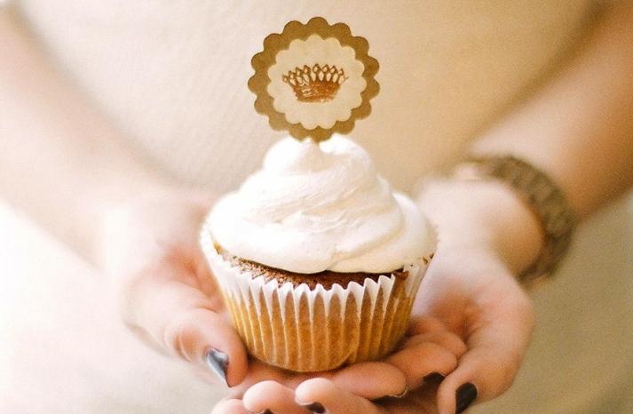 handmade wedding stationery decor using kraft paper Etsy weddings cupcake topper