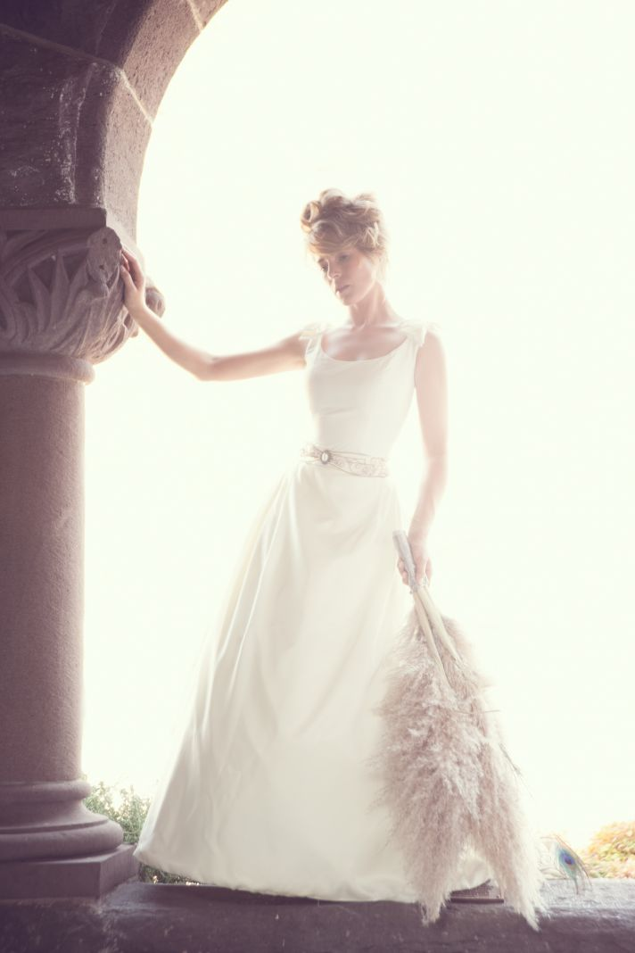 wedding dresses for the vintage bride BOUFFANT bridal gowns accessories 1
