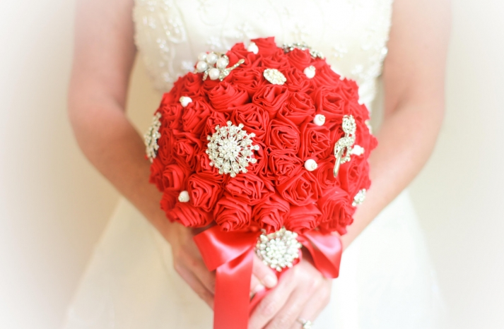 Handmade Weddings How to style a romantic winter wedding eco bouquet red ivory