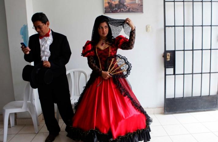 bride and groom in costume mass wedding Lima Peru