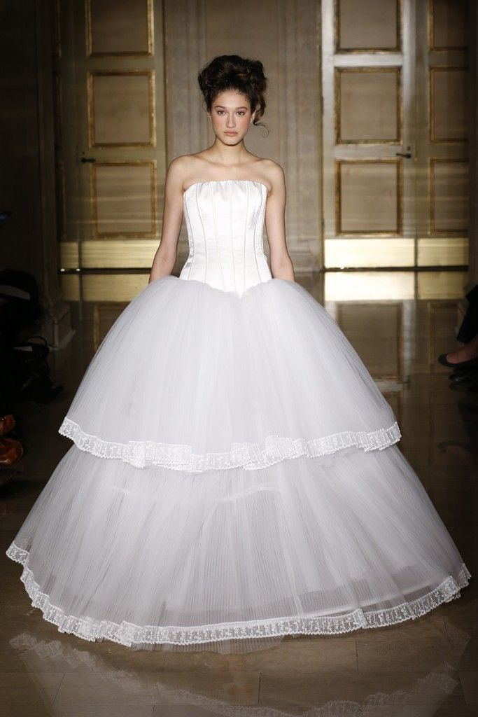 Fall 2013 wedding dress Douglas Hannant bridal gowns 12