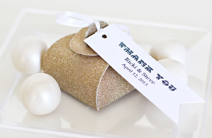 Glittery Gold Wedding Finds for Glam Handmade Weddings favor boxes 2