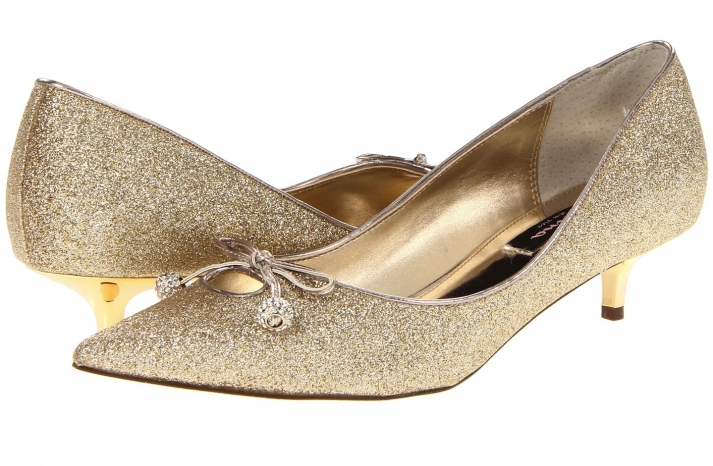 Wedding Accessories Inspiration Shimmery Bridal Heels Nina gold